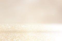 Błyskotliwość rocznik zaświeca tło Srebro i złoto skupiający się obrazy stock