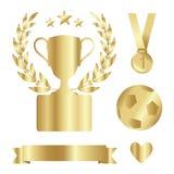 Błyszcząca złocista trofeum filiżanka, medal, bobek, nagroda set, odosobniony s Fotografia Royalty Free