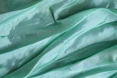 Błyszczącego aqua błękitna jedwabnicza chusteczka zdjęcia royalty free