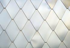 B?yszcz?cy p?ytka aluminium srebra wzoru tekstury lozenges metal szczotkowa? t?o obrazy stock