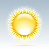 Błyszczący słońce w niebie ilustracji
