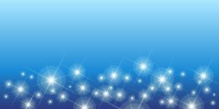 Błyszczeć gwiazdy na błękitnym bezszwowym horyzontalnym wzorze ilustracji