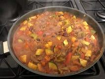 Bœuf haché aux piments et haricots rouges, somptueux chaleureux photographie stock libre de droits