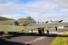 B-17飞行堡垒为起飞做准备 免版税图库摄影