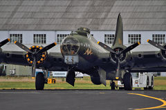 B-17飞行堡垒为起飞做准备 库存图片
