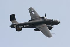 B-25 bommenwerper tijdens de vlucht Royalty-vrije Stock Foto's