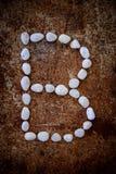 'b' abecadło zrobił formularzowemu bielu kamieniowi Zdjęcie Royalty Free