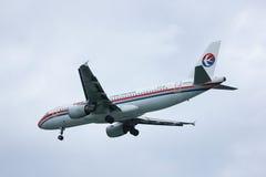 B-6796 Airbus A320-200 da linha aérea oriental de China Fotografia de Stock