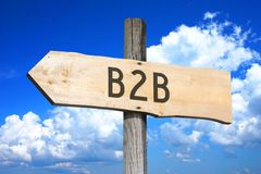 B2B, interempresarial - poste indicador de madera Fotografía de archivo libre de regalías