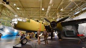 B-25B nord-américain Mitchell Medium Bomber sur l'affichage au musée Pacifique d'aviation de Habor de perle images libres de droits