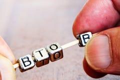 B2B (tra imprese), concetto di finanza di affari con metallo Fotografia Stock Libera da Diritti