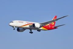 B-2723 Boeing 787-8 Dreamliner da atterraggio di Hainan Airlines a Pechino, Cina Fotografia Stock
