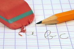 a, b, escritura de c en un cuaderno de la escuela libre illustration
