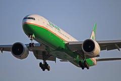 B-16718: EVA Air Boeing 777-300ER B77W fotos de stock