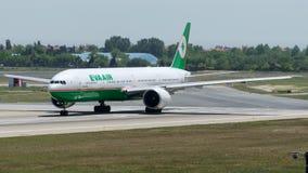 B-16709 Eva powietrze, Boeing 777-35E/ER Zdjęcia Stock