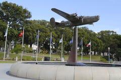 B-24 oswobodziciela rzeźba przy Wietrzy ogród w weterana pomnika ogródzie przy balboa parkiem w San Diego fotografia stock