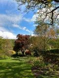 B?ti Grace Priory, Chambre et jardins photographie stock