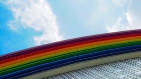B?timent color? par arc-en-ciel image libre de droits