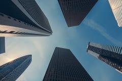 B?timents de gratte-ciel de Tokyo dans au centre ville et au district des affaires de Tokyo Shinjuku dans le matin ? Tokyo, Japon image stock