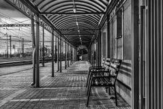 B&W σταθμός τρένου Στοκ φωτογραφίες με δικαίωμα ελεύθερης χρήσης