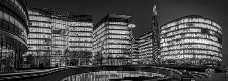 B&W-Cityscape på London Arkivbild