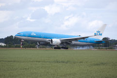 B777 of klm touchdown Royalty Free Stock Photo