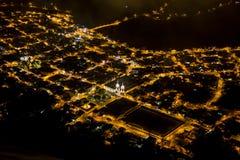 Baños stad som ses från berget Royaltyfri Foto