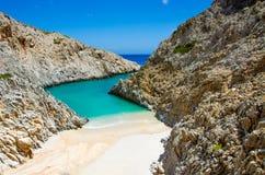 Baía bonita com praia Imagem de Stock