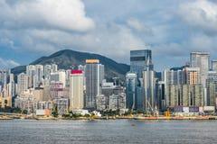 Baía central Hong Kong da calçada da margem da skyline Imagem de Stock Royalty Free