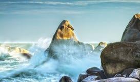 Baía da água da rocha em Binh Thuan Foto de Stock