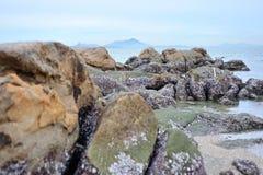 Baía da rocha na luz suave Fotografia de Stock Royalty Free