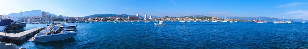 Baía de Ajácio, Córsega, panorama largo imagem de stock royalty free