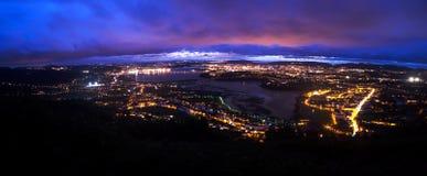 Baía de Ferrol na noite foto de stock