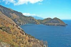 A baía de Ieranto na península do ` s de Sorrento Foto de Stock