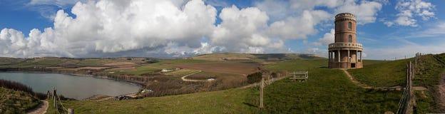 Baía de Kimmeridge e torre de Clavell fotografia de stock