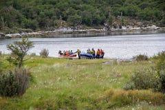 Baía de Lapataia ao longo da fuga litoral em Tierra del Fuego National Park, Argentina fotografia de stock royalty free