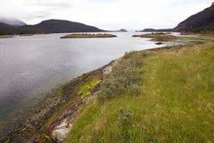 Baía de Lapataia ao longo da fuga litoral em Tierra del Fuego National Park, Argentina imagens de stock royalty free