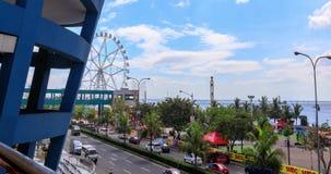 Baía de Manila com roda da balsa vídeos de arquivo