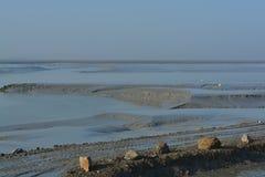 A baía de Mont St Michel na maré baixa Foto de Stock Royalty Free