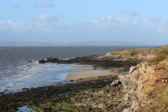 Baía de Morecambe de Half Moon Bay em Heysham Foto de Stock