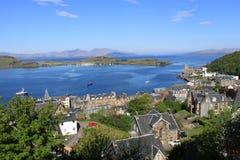 A baía de Oban, ilha de Kerrera e ferventa com especiarias, Escócia Imagens de Stock