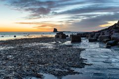 Baía de Saltwick em Yorkshire fotos de stock royalty free