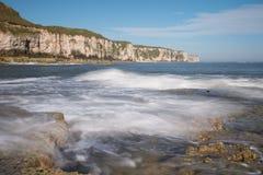Baía de Thornwick, costa de North Yorkshire Foto de Stock