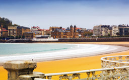 Baía do Concha do La no outono em San Sebastian Imagens de Stock