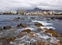 Baía do mar da cidade do Los Cristianos, Tenerife Ilhas Canárias Imagem de Stock Royalty Free