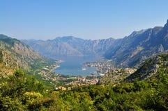 Baía e cidade de Kotor da montanha de Lovcen fotografia de stock