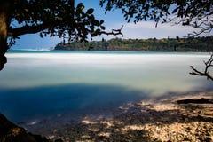Baía havaiana com Sandy Beach imagem de stock royalty free