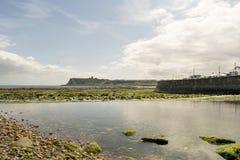 Baía norte de Scarborough, North Yorkshire, Inglaterra, Reino Unido imagens de stock