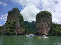 A baía perto do cais em Koh Larn Island perto de Pattaya, Tailândia Imagens de Stock Royalty Free