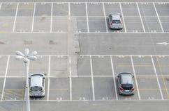 Baías do parque de estacionamento imagens de stock royalty free
